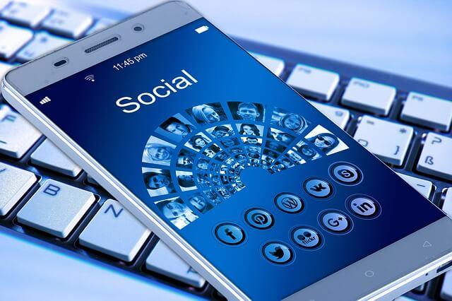 Mobile Phone Social Media